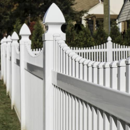 Vinyl Fencing & Gates